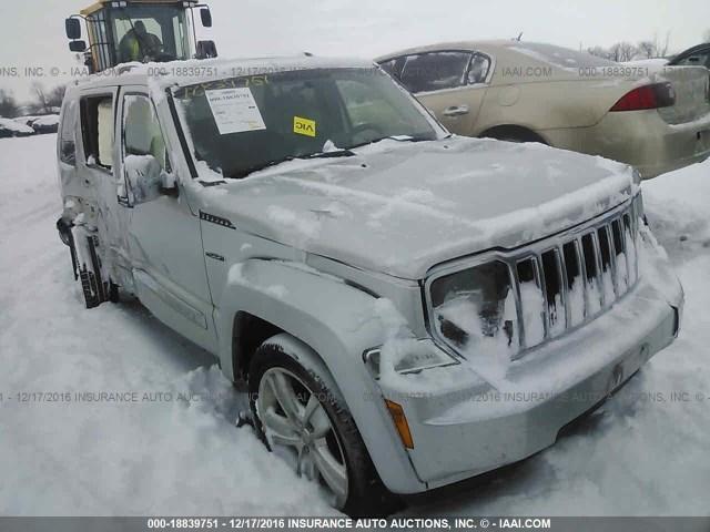 2011 jeep liberty radio